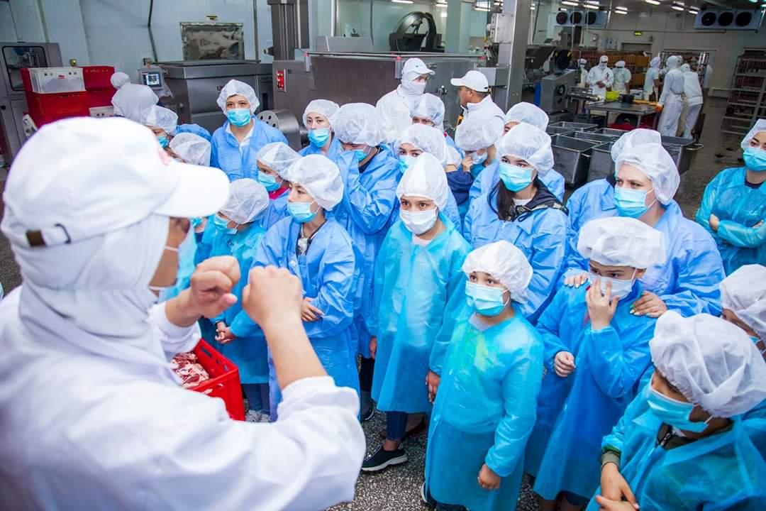 картинка Экскурсия для учеников Business Hub Академия в компанию Rozmetov