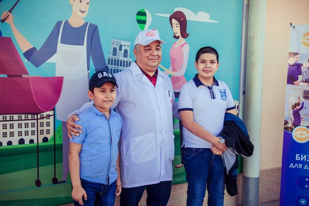 картинка Экскурсия для школьников в компанию Rozmetov